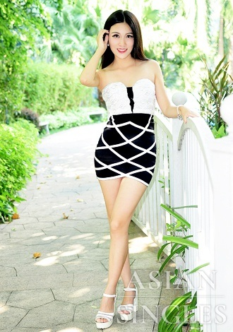 Single girl Ying 28 years old