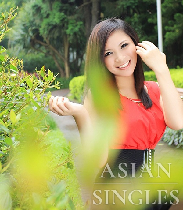 Asian bride Yanhong from Shenzhen