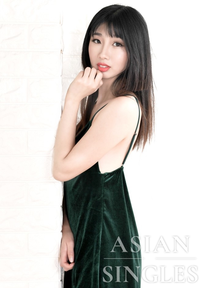 Asian bride Jiaxing from Fuxin