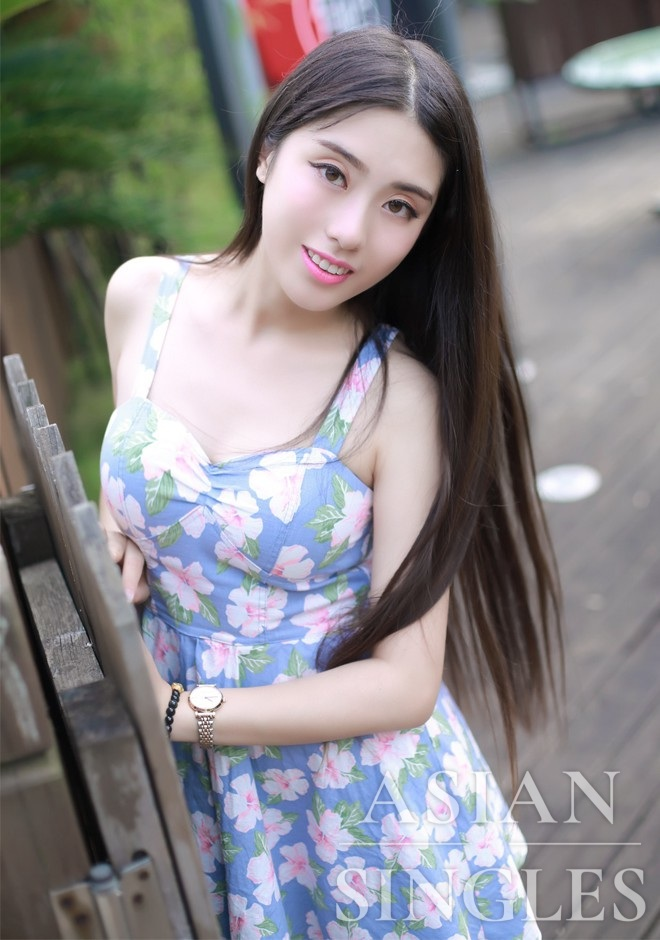 Asian bride HuiJuan from Changsha
