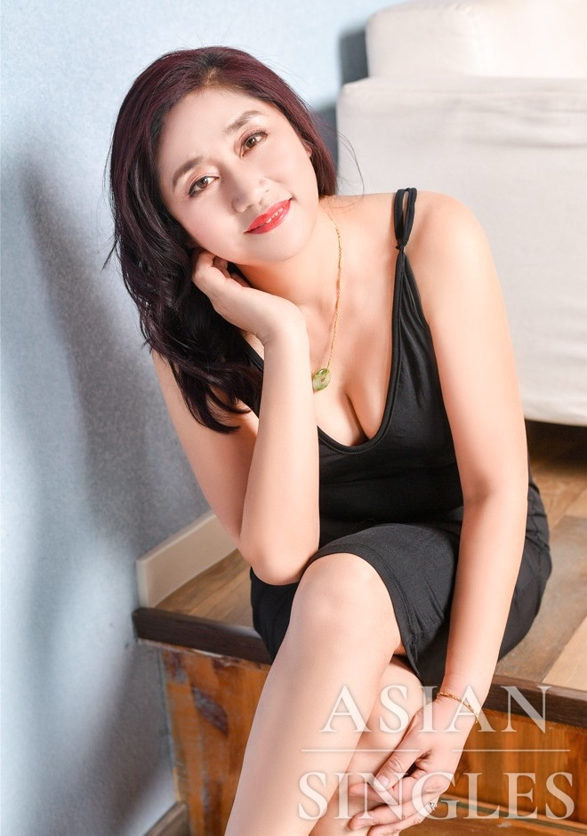Single girl Aijun (Darcy) 53 years old