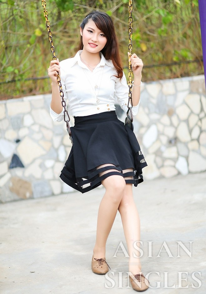 Single girl Hong Phi (Amy) 24 years old