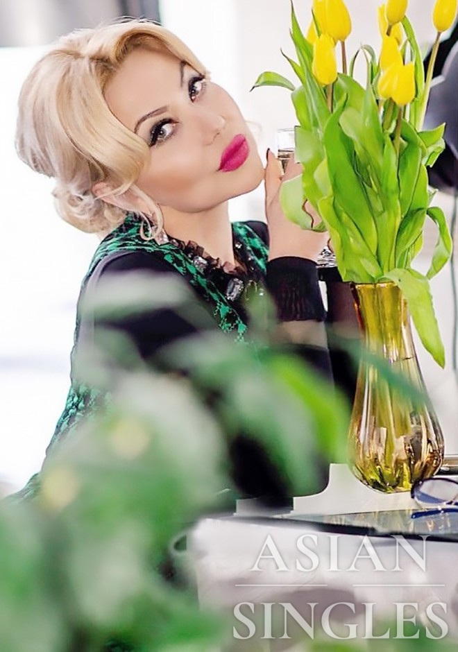 Russian bride Larisa from Donetsk
